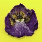 Handgjord filt, blommor royaltyfri fotografi