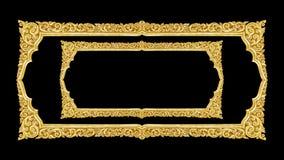 Handgjord gammal dekorativ guld- ram -, inristat - som isoleras på bla royaltyfri foto
