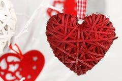 Handgjord garnering för närbild för dag för valentin` s Arkivfoton