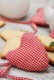 Handgjord hjärta med kakor Arkivfoto