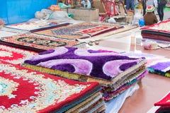 Handgjord jute mattar, indiska hemslöjder som är ganska på Kolkata Fotografering för Bildbyråer