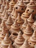 Handgjord krukmakeri i marknad Arkivbilder