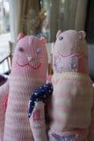 Handgjord leksakrät maska från cashmear garn Royaltyfri Bild