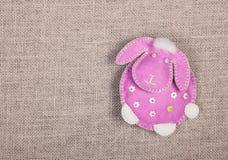 Handgjord mjuk leksak Det rosa lammet kopiera avstånd Royaltyfri Bild