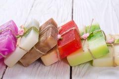 Handgjord tvål för färgrik frukt royaltyfri fotografi