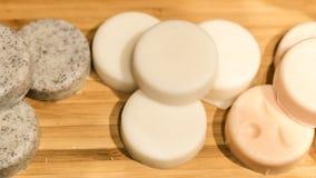 Handgjord tvål i form av glass, kakor, andra former royaltyfri bild