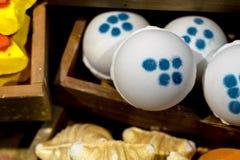 Handgjord tvål i form av glass, kakor, andra former fotografering för bildbyråer