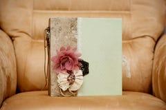 Handgjord urklippsbok Fotografering för Bildbyråer