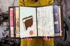 Handgjord urklippsbok Arkivfoton