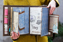 Handgjord urklippsbok Arkivbilder