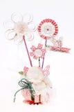 Handgjorda blommor som göras från papper Royaltyfria Foton