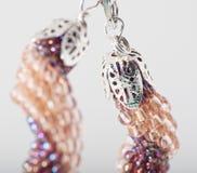 Handgjorda eleganta smycken Arkivfoton