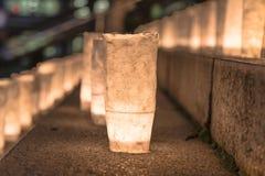 Handgjorda japanska rispapperlyktor som exponerar momenten av Arkivfoton