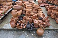 Handgjorda lerakrukor, krus som dricker hornet Arkivbilder