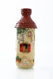 Handgjorda objekt dekorerade genom att använda olika tekniker av decoupagen arkivfoto