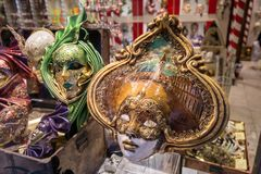 Handgjorda original- Venetian karnevalmaskeringar Royaltyfria Foton