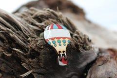 Handgjorda smycken för härlig träbrosch Fotografering för Bildbyråer