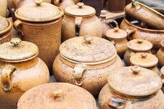 Handgjorda traditionella lerakrukor Royaltyfri Fotografi