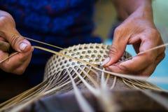 Handgjort arbete för hatt i Thailand Fotografering för Bildbyråer