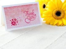 Handgjort tacka dig att card med blommor fotografering för bildbyråer