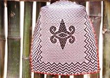 Handgjort wooven cafts av den Lundayeh person som tillhör en etnisk minoritet Arkivfoto