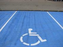 handicap стоянка автомобилей Стоковая Фотография