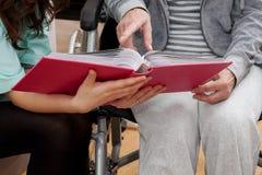Handicapé à la maison Photo stock