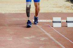 Handicap paralimpico dell'atleta della gamba immagini stock
