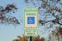 Handicapte geen parkerenteken stock afbeelding