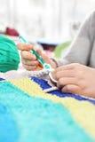 handicraft Fazer malha faz crochê fotos de stock royalty free