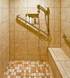 Handikap-zugängliche Dusche Lizenzfreies Stockfoto