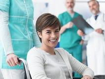 Handikapp och sjukvård royaltyfri bild