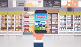 HandinnehavSmart telefon i begrepp för shopping för mat för leverans för produkter för supermarketbeställningslivsmedelsbutik stock illustrationer