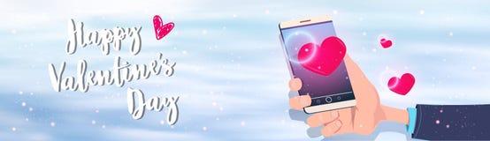 Handinnehavsmartphone med hälsning för baner för rött för hjärtaform lyckligt för valentin för dag för ferie begrepp för beröm ho royaltyfri illustrationer