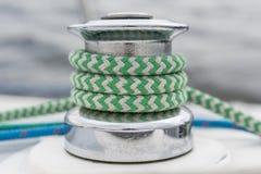 Handkurbel-, Grünes und Blauesseil Stockfotos