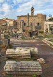 Handlag till historia, det romerska fora, Rome arkivfoton