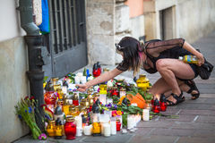 Handling nära amerikansk konsulat i minne av offer av massakern i populär glad klubbapuls i Orlando Arkivfoto