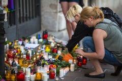 Handling nära amerikansk konsulat i minne av offer av massakern i populär glad klubbapuls i Orlando Royaltyfri Bild