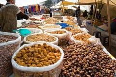 Handlowiec cukierki, daty, suche owoc i dokrętki, obrazy stock