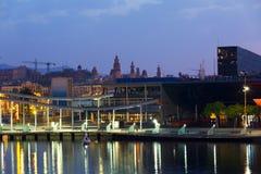 Handlowy centre przy Portowym Vell w świcie Barcelona Fotografia Royalty Free