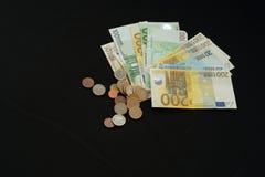 Handlujący pieniądze online Obrazy Royalty Free