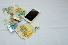 Handlujący pieniądze online Zdjęcia Stock