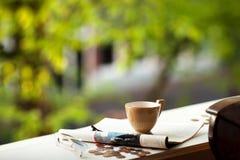 handluje porcelany świeżego porcelanowe truskawek herbatę razem Obrazy Stock