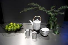 handluje porcelany świeżego porcelanowe truskawek herbatę razem Zdjęcia Stock