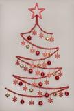 Handmad-Lametta-Weihnachtsbaum mit Sternform, Kreativität Concep Lizenzfreie Stockfotos