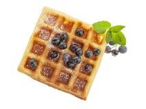 Handmade бельгийский Waffle при изолированные голубики Стоковое Изображение RF
