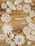 Handmade белая картина рамки вязания крючком, вяжущ, шьющ Стоковые Изображения