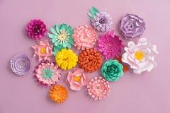Handmade бумажные цветки стоковая фотография rf