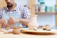 Handmade гончарня в мастерской Стоковая Фотография RF