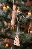 Handmade деревенская игрушка на дереве Нового Года Стоковое Изображение RF